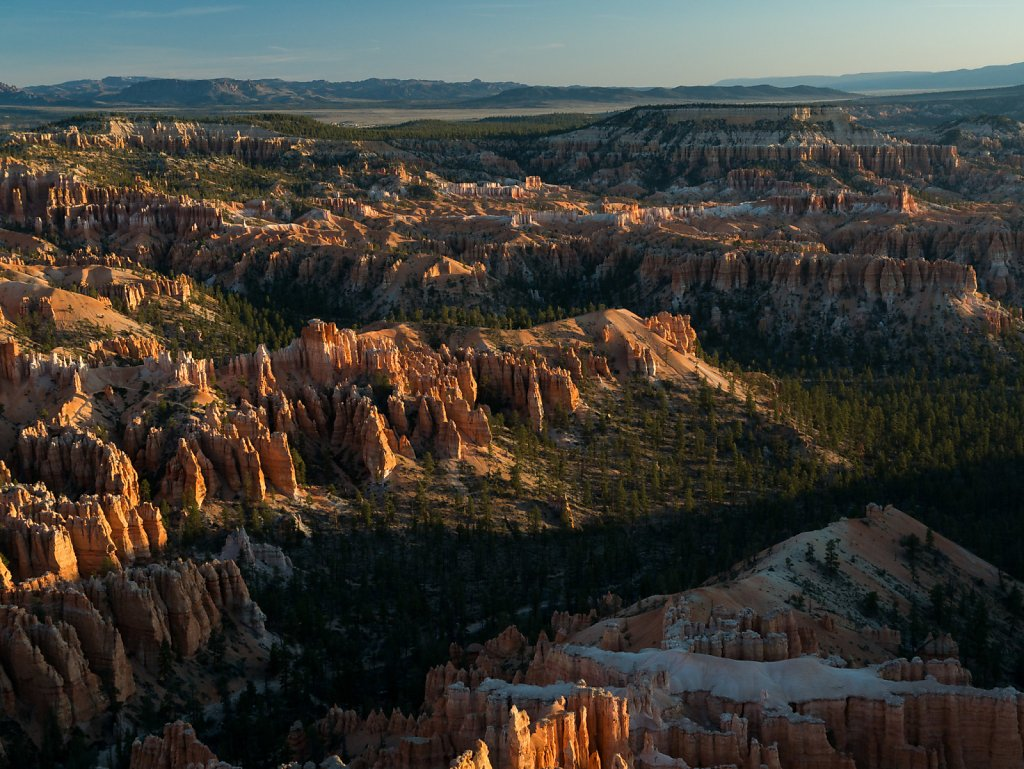 Morning light at Bryce Point