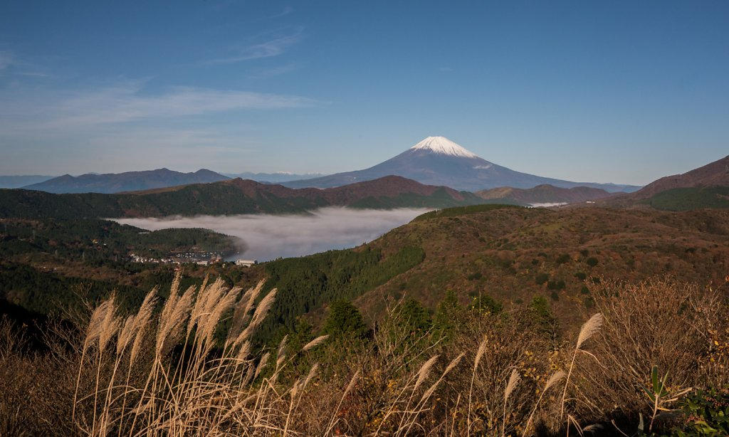 Fuji with Ashinoko Lake carpeted by clouds