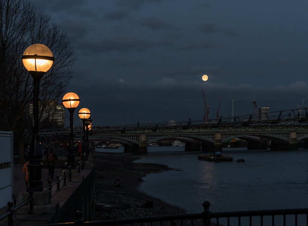 The eclipse wasn't visible from London, but I did get to see the blue supermoon set over the Thames